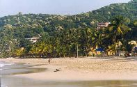 Enjoy a walk on La Ropa beach! Click to see enlarged version(20K)